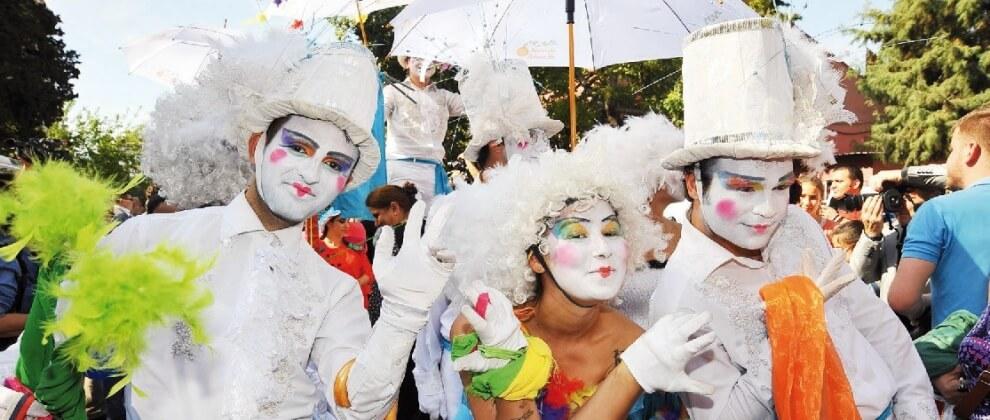 ozge-ersu-2016-adana-poartakal-cicegi-festivalinde